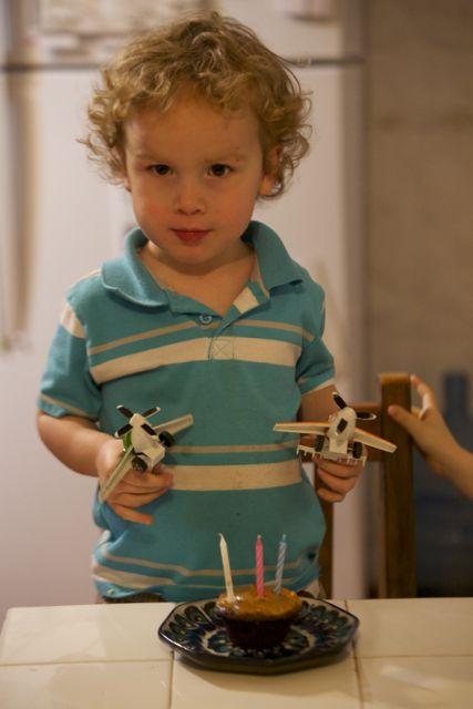 Ezra with planes